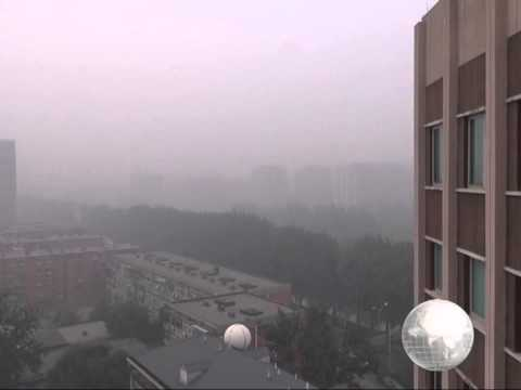 Heavy smog continues to blanket N China