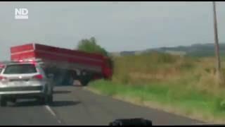 Motorista de caminhão atinge veículos durante fuga da Polícia Militar na BR-101