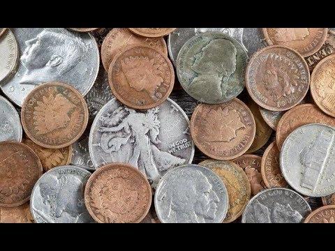 Дети игрались и нашли монеты. Когда все узнали сколько они стоят взялись руками за голову!