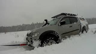 Mitsubishi L200 snow madness!!!