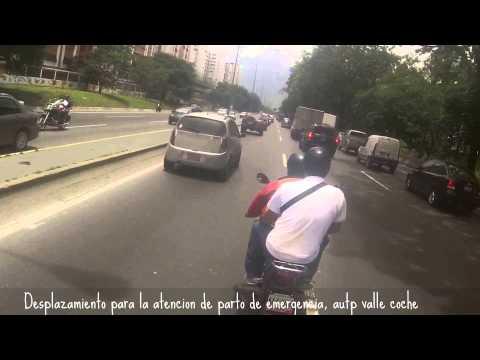 Paramedicos Motorizados // Parto de Emergencia en la Autp Valle Coche