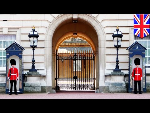 Buckingham Palace tour: 360 VR video tour lets you explore UK Queen's home in 3D - TomoNews