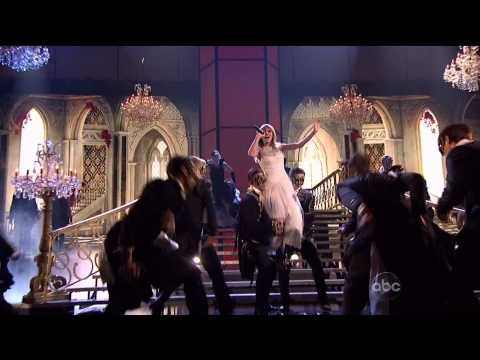 Taylor Swift - I Knew You Were Trouble (AMA 2012 Live Performance)