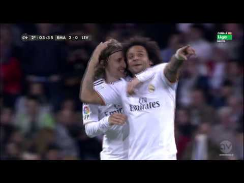 Marcelo Vieira Fantastic Goal vs Levante ~ Real Ma