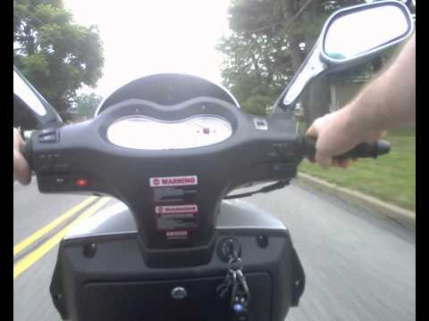 150cc Df Tka 3 Wheel Scooter Trike Gas Saver Supersportz