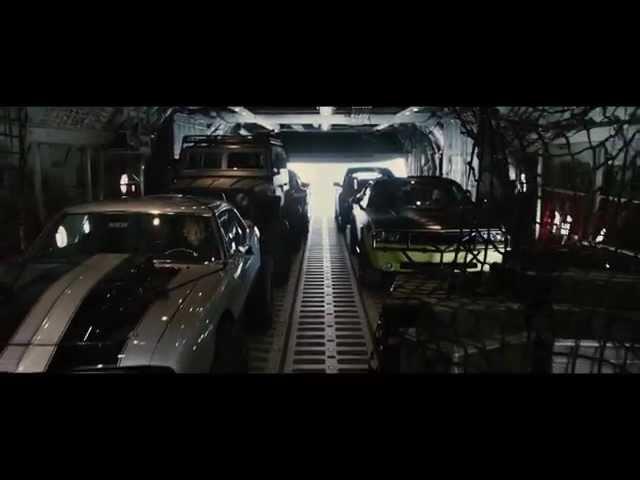 """Fast & Furious 7 - Scena del film in italiano """"Lancio dall'aereo"""""""