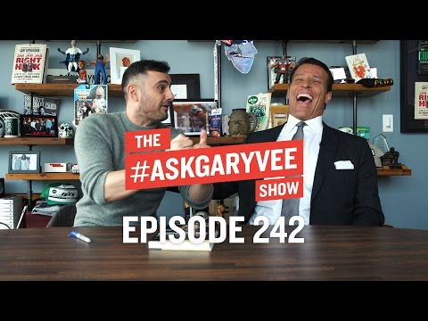 Tony Robbins, Unshakeable, Gratitude & Focusing on Your Steak | #AskGaryVee 242