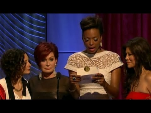 Aisha Tyler Given Wrong Award Envelope at Daytime Emmys 2013