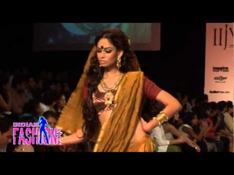 Erotic Indian Girls Fire On Ramp video