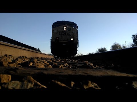 Superfast CSX 798 hotshot runs over my Motorola Moto X! (Jesup, GA - 2/17/14)