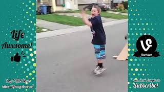 TRY NOT TO LAUGH CHALLENGE: Funny Fails Compilation 2017 | Life Awesome