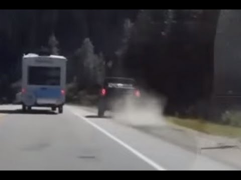 2015 CALGARY DRIVERS NEAR MISS AND UNUSUAL EVENT COMPILATION
