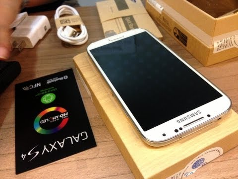 Globe Samsung Galaxy S4 Launch Greenbelt 4 Ayala Center Makati Philippines by HourPhilippines.com