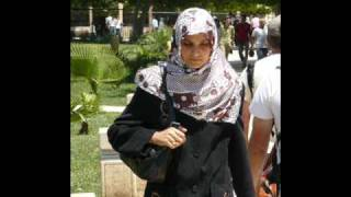 Armine esarp and streetstyle of Turk women