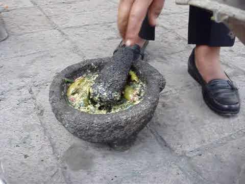 San Pedro Xalostoc, salsa con chinicuiles