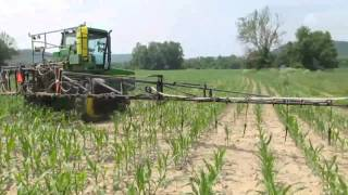 JOHN DEERE 6000 self-propelled sprayer