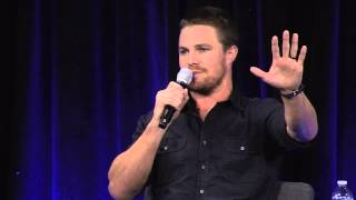"Nerd HQ 2015: ""I Want to Be Where My Parents Are"" (Stephen Amell Panel Highlight)"