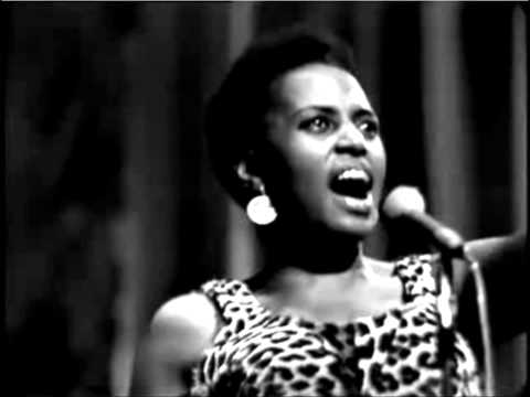 amampondo-miriam makeba( live in paris)