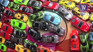 بالفيديو: شاب يزيّن سيارته الجاغوار  بـ 4600 سيارة صغيرة