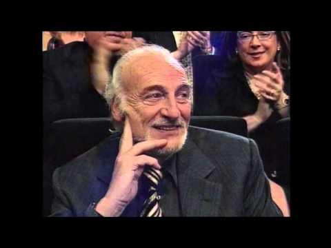 Héctor Alterio recoge el Goya de Honor 2004