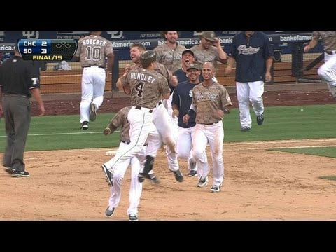 Hundley delivers a walk-off single in 15th