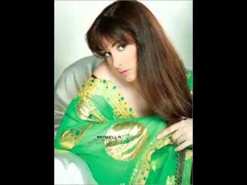مريام فارس و إليسا و هيفاء و هبي و أخريات بالثوب الأخضر الخريفي
