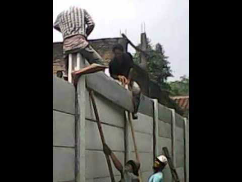 Cara pemasangan pagar panel beton tahap akhir