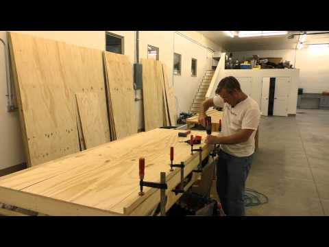 BUILDING A MOBILE WOODSHOP (Part 18)  A fantastic wall unit for screw storage.