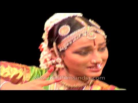 Bharatanatyam : A classical Indian dance form of Tamil Nadu