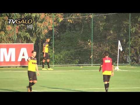 16/09/2014 Galo treina antes da viagem para Goiás