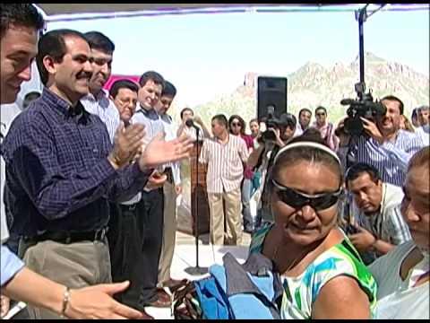 23-10-2009 Guillermo Padrés, entregó apoyos por mas de 23 millones de pesos en Guaymas y Empalme
