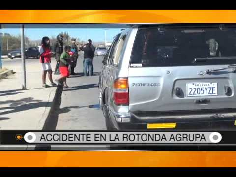 31/07/2014 - 13:16 ACCIDENTE EN LA ROTONDA AGRUPA