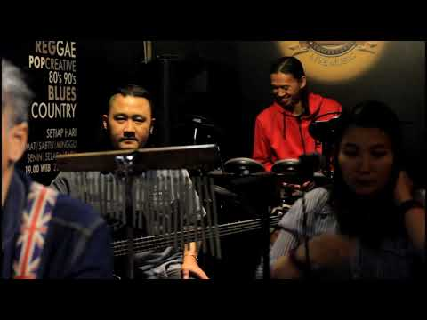 kloppass band - Mr gele (iwan fals cover)