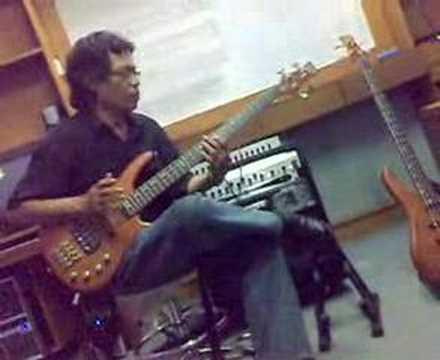 Uce f tekol - Bass Solo