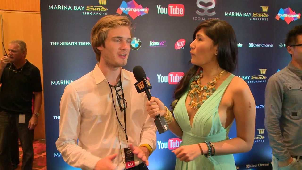 Pewdiepie Social Star Awards Red Carpet Youtube