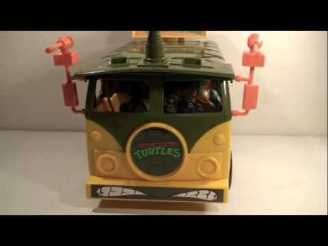 Teenage Mutant Ninja Turtles 25th Anniversary Classics Party Van Vehicle Toy Review