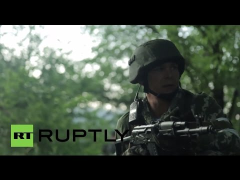 Ukraine: DRAMATIC footage shows Kiev, DNR/DPR forces fighting in Marinka