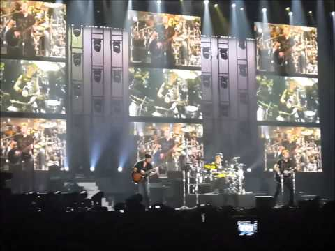 NICKELBACK tribute to Nelson Mandela with drum solo in JHB - We must stand together 8/12/2013