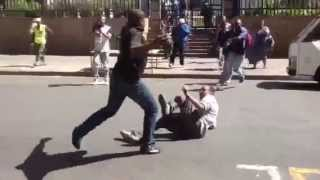 Ethiopian man is attacked in the streets of Johannesburg, South Africa (video)