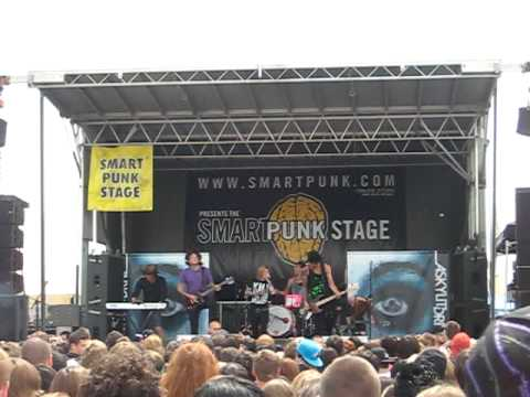 Those Cannons Could Sink A Ship- A Skylit Drive Live at Warped Tour Toronto