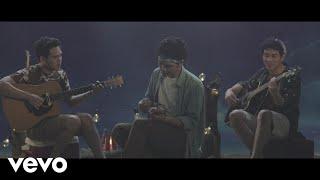 "TheOvertunes - Bukan Sekedar Kata (from ""Susah Sinyal"") (Music Video)"