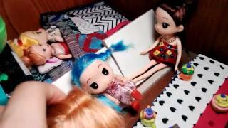 Gia dinh bup bê barbie