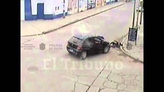 Orán: impactante accidente entre una moto y un vehículo