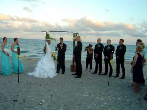 Plan an Island wedding! The City of Langley on beautiful Whidbey Island has