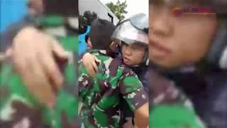 Aksi Perkelahian Pengedara Mobil dengan Anggota TNI