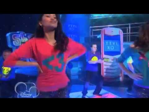 TTYLXOX Performed By Bella Thorne ''Shake it up'' Performance Music Videos