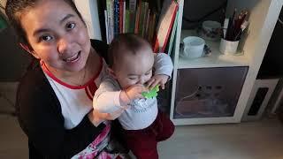 baby Lucas (6months) reads a book, nen doc truyen cho be luc nao
