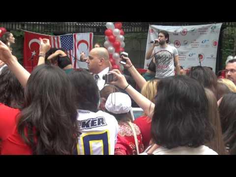 32. Türk Günü Yürüyüşü ve Festivali Serdar Ortaç Konseri - New York