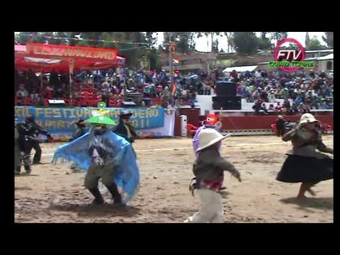 Niños chumbivilcanos bailando huaylía
