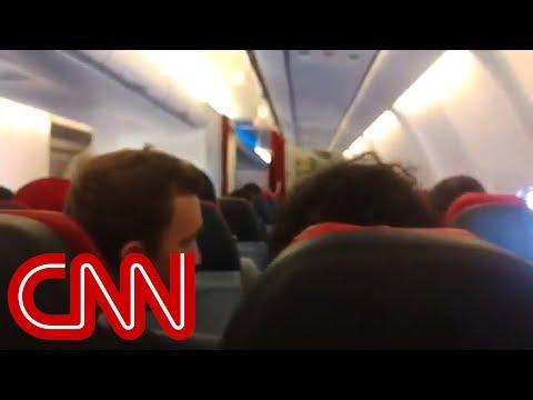 Pilot of shaking plane asks passengers to pray